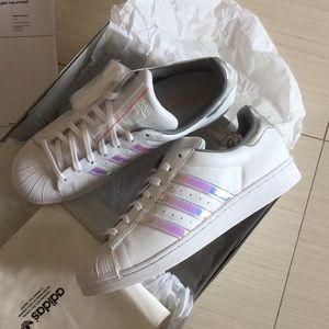 NIB Women's Adidas Superstar Sneakers